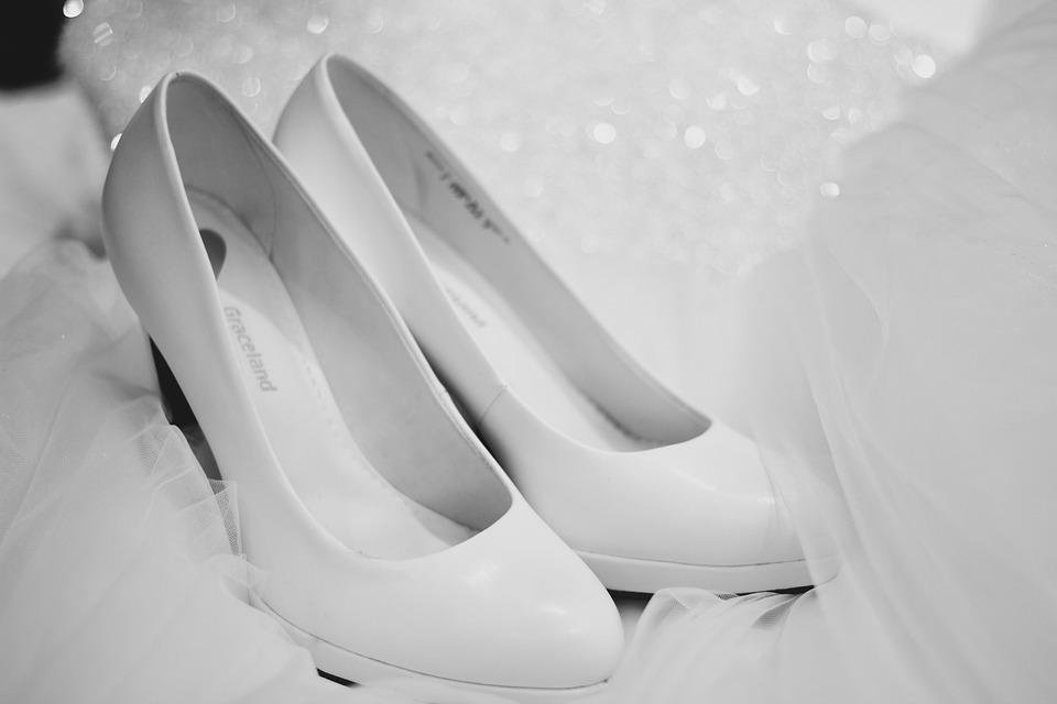 Come scegliere le scarpe da sposa: 5 consigli