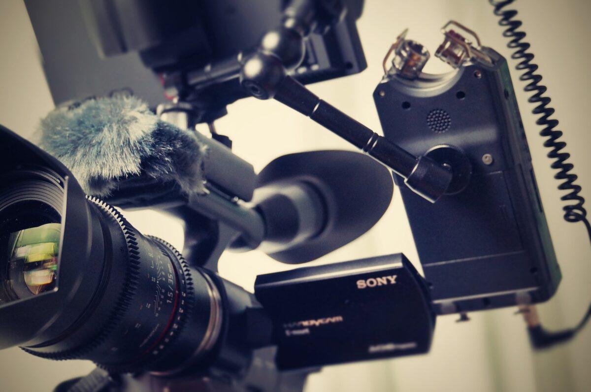Come sfruttare i video aziendali in tre mosse